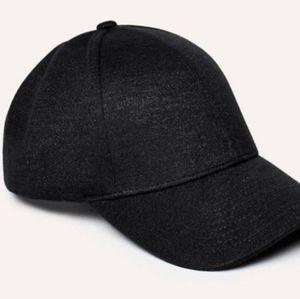 Aritzia Wilfred Free Hat